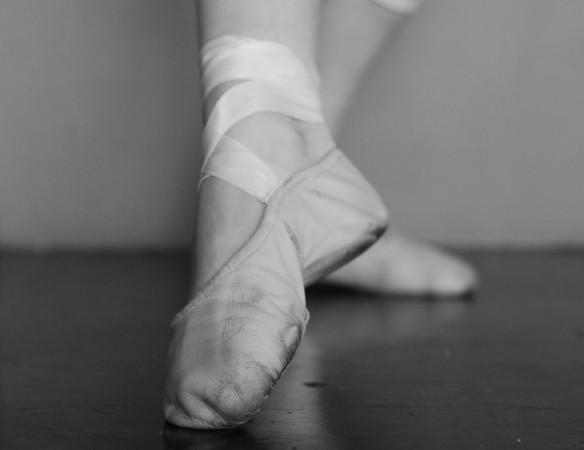 feet-bw